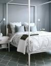الرمادي الرائع حيث تكون غرفة النوم بظلال رمادية وبيضاء معاً مع اضافة سجاد منقوش رائع