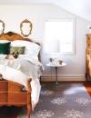 خطوط متعرجة رومانسية مع تشطيبات عتيقة هذه اللمسات المثالية لغرفة نوم رومانسية