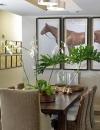 عدم التكرار , وذلك بوضع لوحات غير مكررة مثل صور الحصان التي تم وضعها في غرفة الطعام.