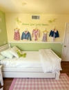 افكار تصميم غرفة نوم بنات بمساحة صغيرة2