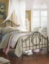 تصاميم داخلية لغرف نوم بسيطة ومضيئة6