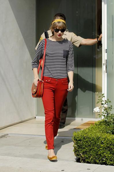 لمسات اللون الأحمر تزيدكِ جمالاً 7.jpg