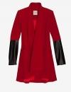 معطف احمر باكمام جلدية يمكن ارتدائه مع اي من القطع الاخرى