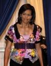 ميشيل أوباما ارتدت توب ايترو بمطبوعات الازهار عندما التقت مع ممثلي شركات الاسر العاملة
