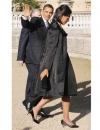 ميشيل أوباما ارتدت معطف من وو جيسون في طريقها الى قصر باكنغهام