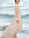 كاسيا سموتنيك في ثوب من مجموعة فالنتينو لعام 2013 عند حضورها حفل العشاء في مهرجان البندقية السينمائي