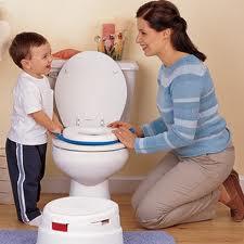 التخلص من الحفاض وتدريب الطفل على استخدام الحمام
