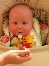تغذية الطفل في عامه الاول