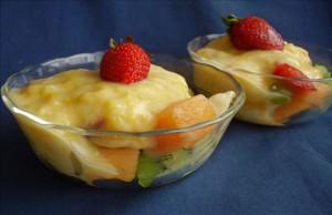 ميدلي الفاكهة الطازجة