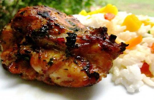 قطع الدجاج المشوية على الطريقة  التايلاندية
