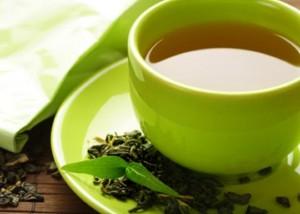 الشاي الاخضر والسكر لتقشير البشرة