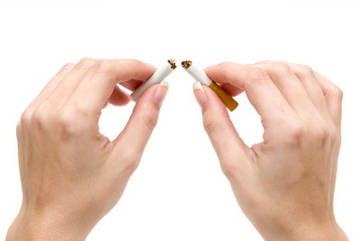 اكدت العديد من الدراسات ان تدخين السجائر يمكن ان يؤدي الى شيخوخة الجلد