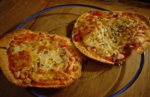 بيتزا سريعة وقليلة السعرات الحرارية للعشاء باقل من 7 دقائق