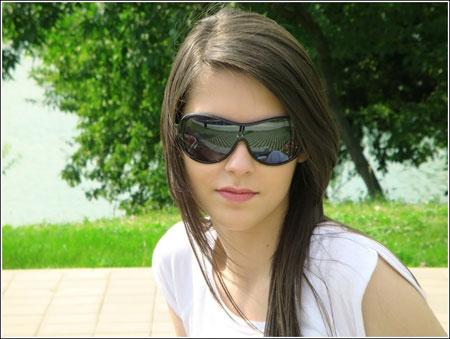ارتداء النظارات الشمسية