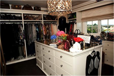 غرف خاصة لتغيير الملابس للمشاهير 9
