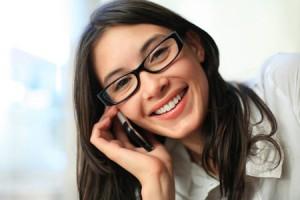 من الامور التي تضر البشرة كثرة استخدام الهواتف النقالة