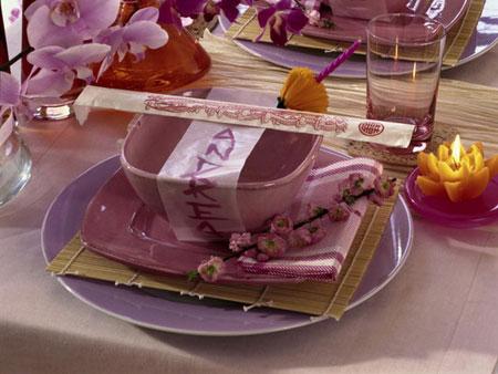 كيفية تزيين الطاولة بتنسيق زهور غريبة4