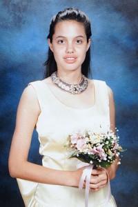 انجلينا جولي في الصف الثامن Angelina Jolie