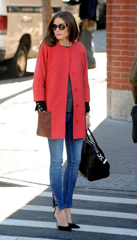 اوليفيا باليرمو, معطف مرجاني مع جيوب جلدية