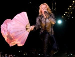 ستايل المغنية العالمية شاكيرا6