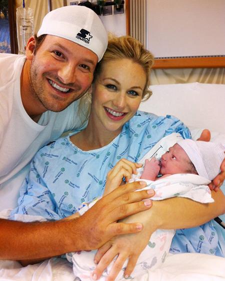 هوكينز كروفورد رومو,انجبت كانديس كراوفورد ابنها الاول من توني رومو في 9 ابريل