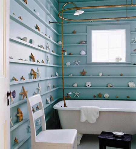 تصميم حمام باللون الازرق مستوحى من البحر