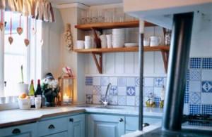 لاتحاولي اخفاء الفوضى في المطبخ صغير المساحة