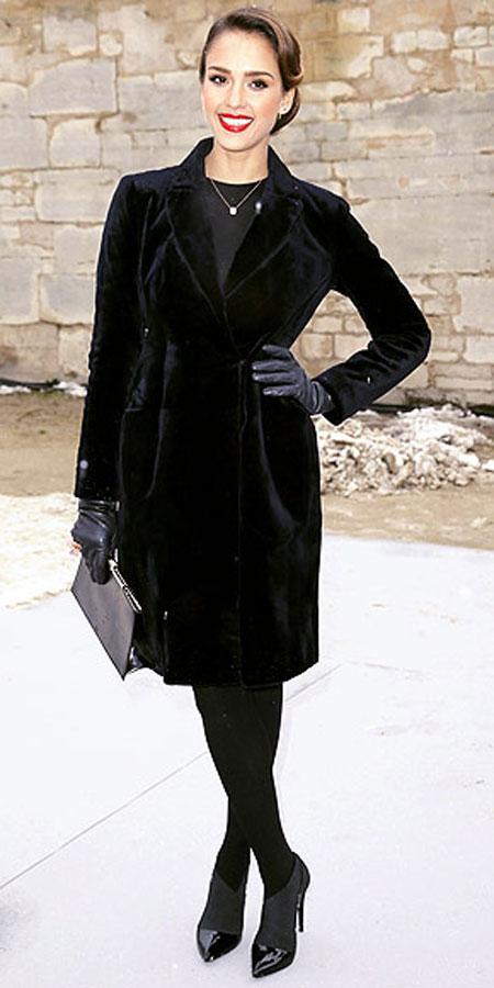 جيسيكا البا,ارتدت فستان من المخمل من كرستيان ديور