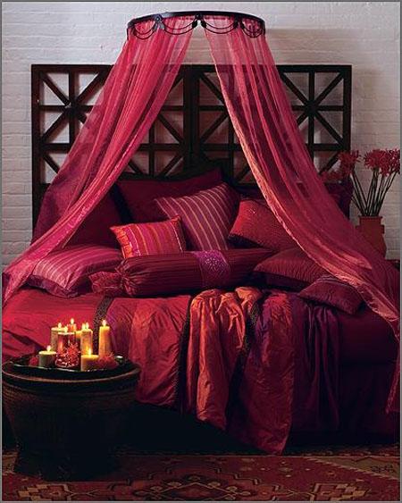 تصاميم غرف نوم شيك باللون الاحمر