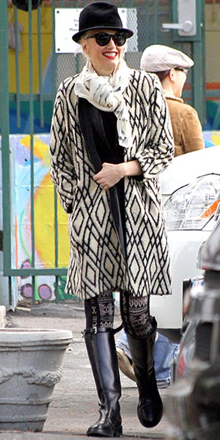 غوين ستيفاني,بمعطف باللون الابيض والاسود