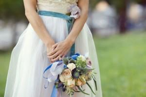 مسكات عروس بورود زرقاء