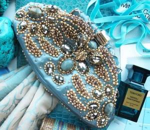 موديلات حقائب واحذية للحفلات باللون الازرق