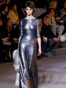 موديلات فساتين باللون الفضي من مجموعة مارك جاكوبس Marc Jacobs لخريف 2013
