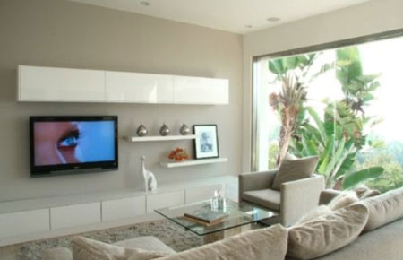 جدار TV مع رفوف عائمة وخزائن تؤطر TV