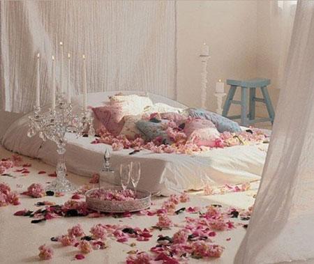 ديكورات رومانسية لغرف النوم