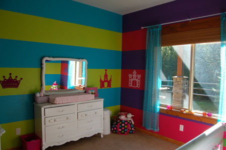 ديكور غرفة نوم رضع  بيبي ملونة