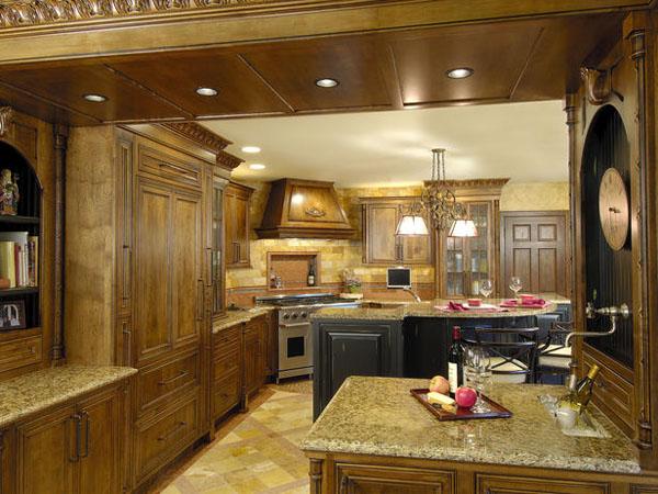 مطبخ شكل مثلث الذي يتكون من ثلاث عناصر اساسية