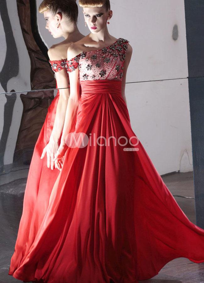 فستان سهرة لون احمر