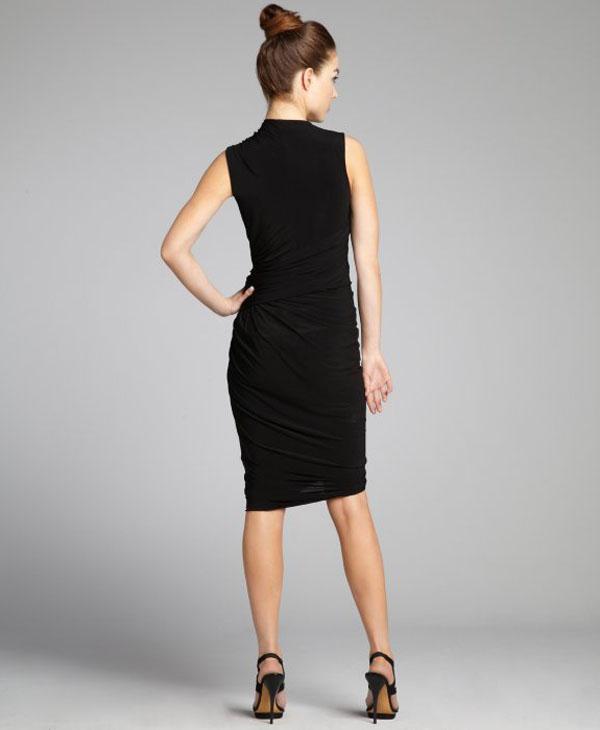 فستان لون اسود من تصميم اليكسندر وانغ