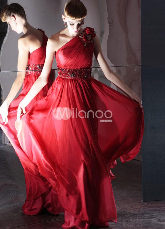 فستان سهرة شيفون كتف واحد لون احمر