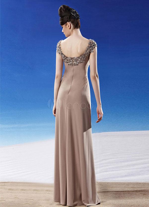 فستان سهرة طويل مرصع بالجواهر لون بني