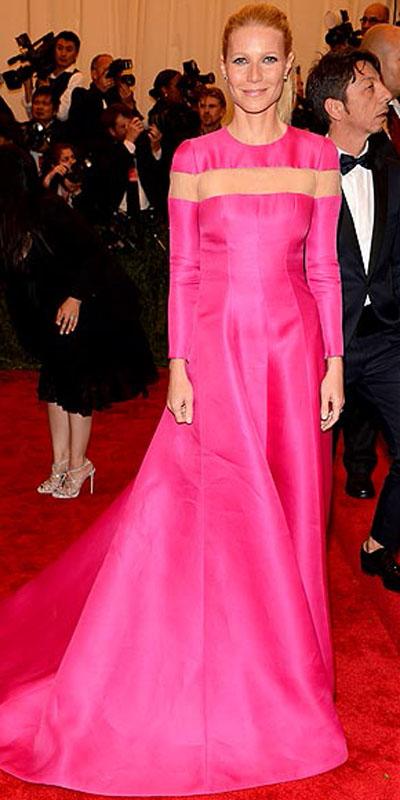 غوينث بالترو,في فستان وردي من فالنتينو