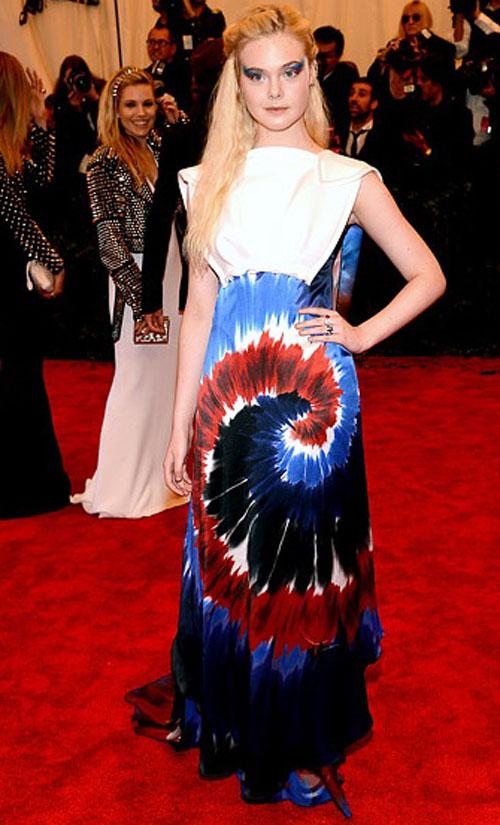 ايلي فانينغ,ارتدت فستان من رودارت